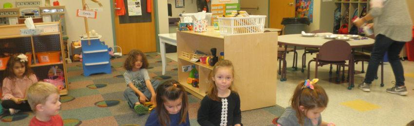 Photo of preschoolers reading